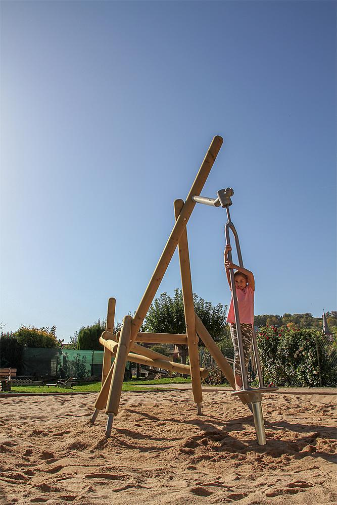 climbing structure Yuki