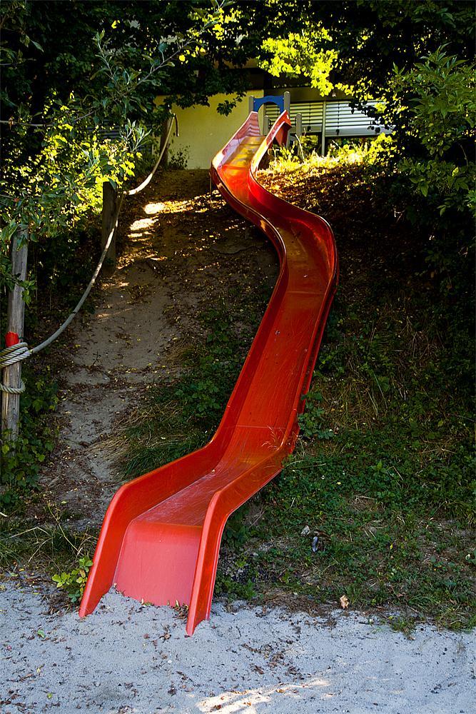 Hill slide entry plate