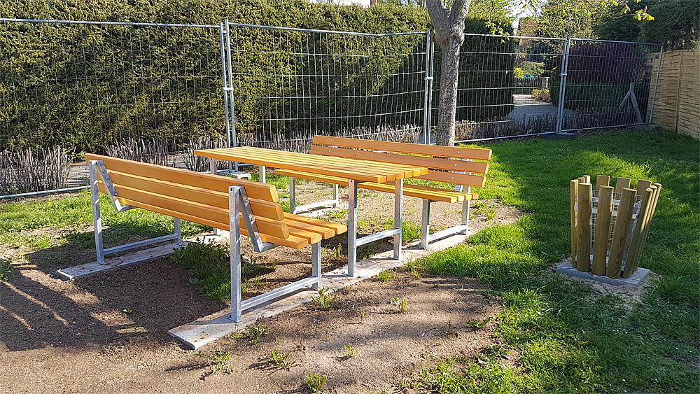 Table for park bench Monika