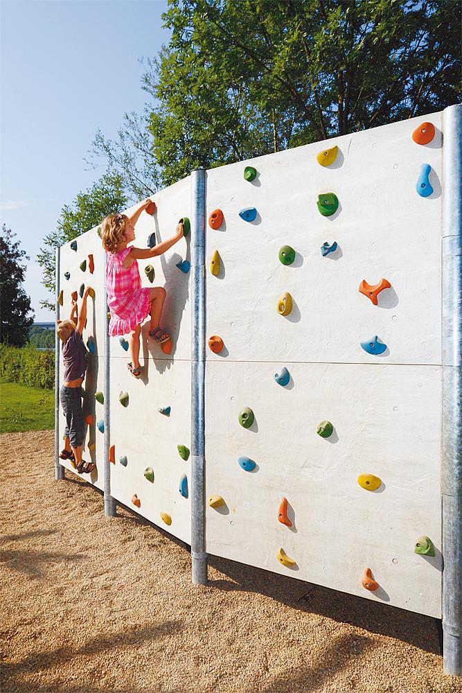 Boulder climbing wall concrete,  Type IV